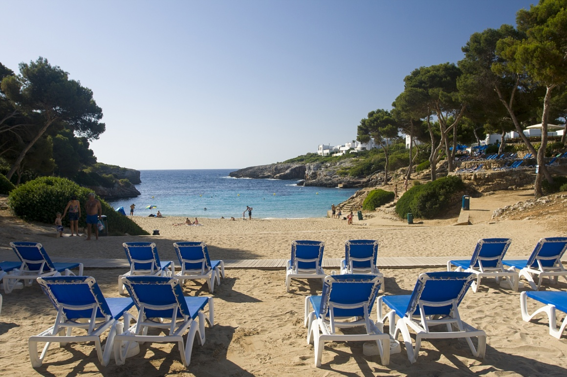 'Cala D'Or hotel beach in Majorca' - Maiorca