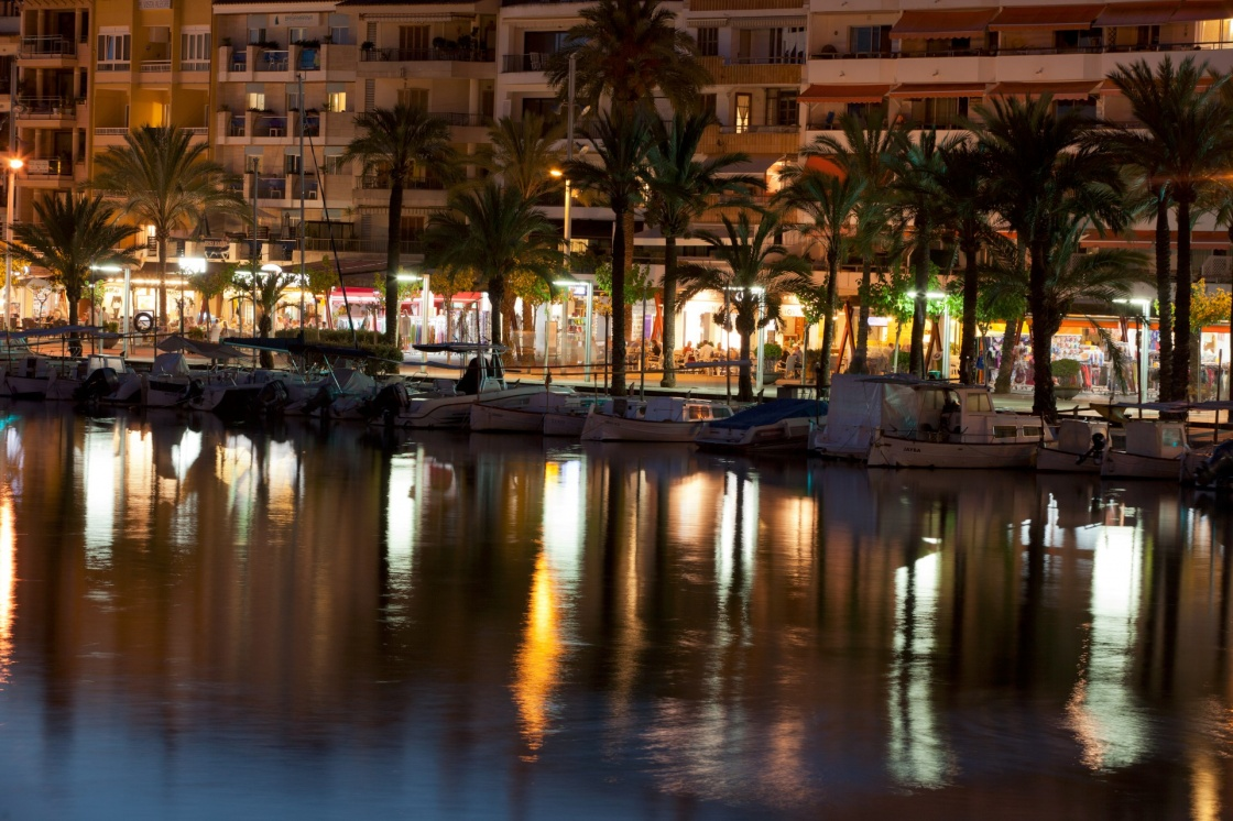 'Alcudia marina at night. Majorca, Spain' - Maiorca